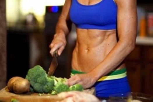 3+1 τροφές που θα σου χαρίσουν τους κοιλιακούς που πάντα ονειρευόσουν! Άνοιξε το ψυγείο ΤΩΡΑ