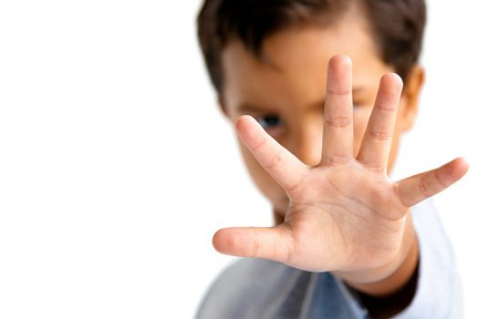 Γιατί τα παιδιά δεν είναι υποχρεωμένα να αγκαλιάζουν κανένα