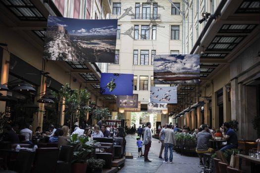 8 top στέκια για ποτό και φαγητό σε στοές της Αθήνας