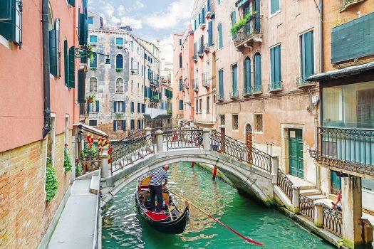 Διακοπές για δύο; Ποιες οι 10 λιγότερο ρομαντικές πόλεις που πρέπει να αποφύγετε