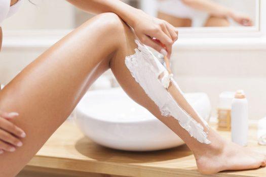 Ξυρισμένα πόδια: Πώς να τα διατηρήσεις για πολλές μέρες