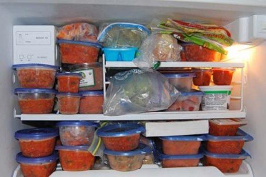 Προσοχή: Ποια τρόφιμα πρέπει να πετάξετε από την κατάψυξη αμέσως. Τι θα πάθετε