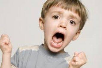 Κρίσεις θυμού (tantrums) στα παιδιά: Πώς να τις αντιμετωπίσετε