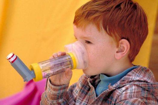 Παιδί με άσθμα: τι θα το βοηθήσει περισσότερο από τα φάρμακα