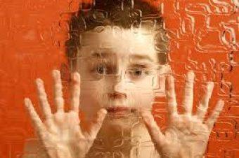 Αυτισμός: Ποια τα πρώιμα σημάδια και πώς να τα αναγνωρίσεις