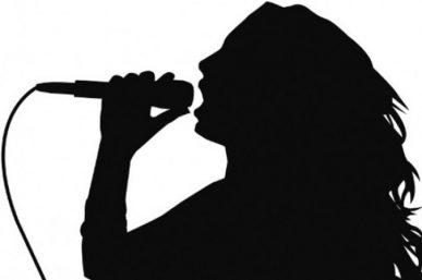 Σάλος στη Θεσσαλονίκη: Γνωστή τραγουδίστρια εκτάκτως στο νοσοκομείο με… ρήξη πρωκτού