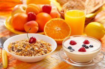 Ποιες οι 5 πρωινές συνήθειες που βοηθούν στο αδυνάτισμα