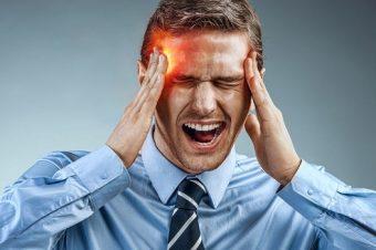 Πονοκέφαλος, σπασμοί, αδυναμία: Πότε δείχνουν καρκίνο στο κεφάλι
