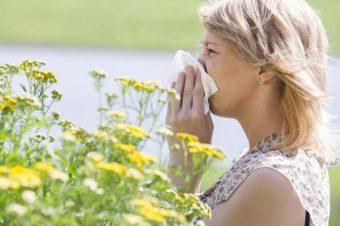 Ποιες οι τροφές που θα σας «σώσουν» από τις εποχικές αλλεργίες