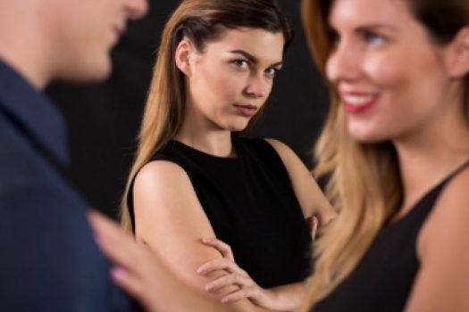 Ζήλεια στη σχέση: Δεν είναι πάντα άδικη… ή μήπως είναι;
